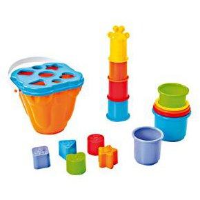 Cubos apilables y piezas encajables