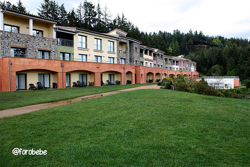 Alojamiento familiar en hotel vilar rural de sant hilari - Hoteles rurales en girona ...