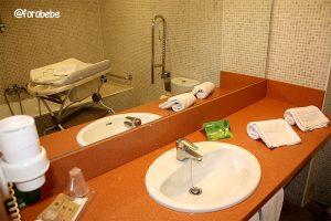 Bañera para bebés en Baby Room Hotel Vilar Rural Sant Hilari Sacalm